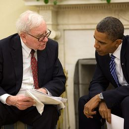Featured 800px buffett   obama
