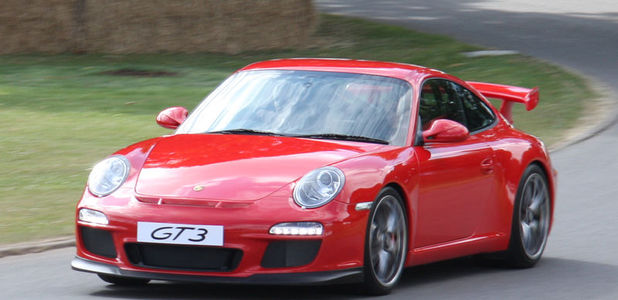 Full_800px-2009-07-05_red_porsche_997_gt3__my_2010__goodwood